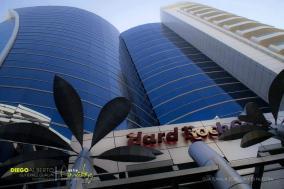 Hard Rock Café en Dubai Center, Zona 10 - foto por Diego Gutierrez por Entre Amates