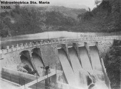 Hidroeléctrica Santa María. Esta central se ubica en el municipio de Zunil, departamento de Quetzaltenango, en 1927.