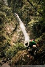 Cascada escondida en la montaña en El Porvenir, San Marcos - foto por El Nash