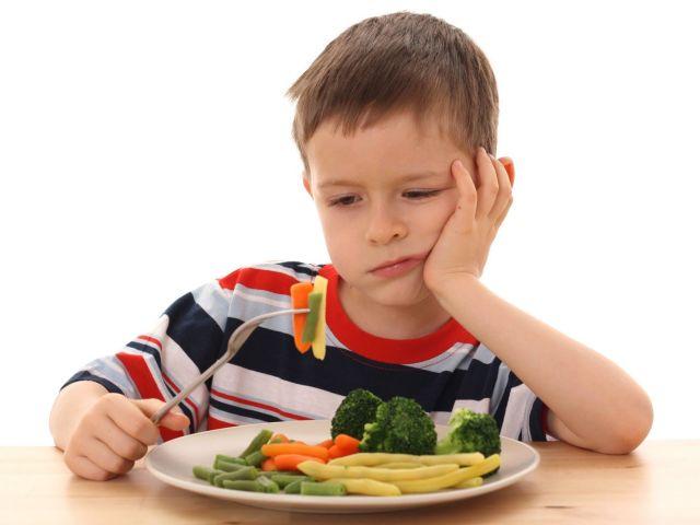 13 maneiras simples de incentivar seu filho a comer vegetais