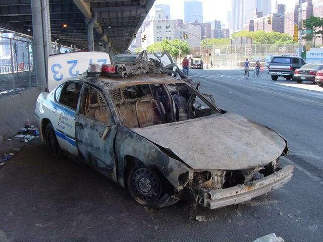 9-11_toasted_cop_car CIMÁTICA; DANDO VIDA A LA MATERIA CON EL SONIDO (HANS JENNY, 1968)