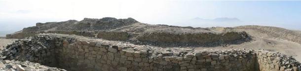 Restos de Chankillo Fortaleza. Sitio arqueológico cerca de Casma, Ancash en Perú