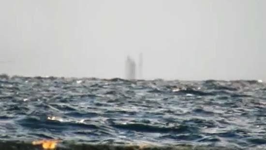 barco-fantasma-lago-superior-michigan Graban un barco fantasma flotando sobre el Lago Superior de Míchigan