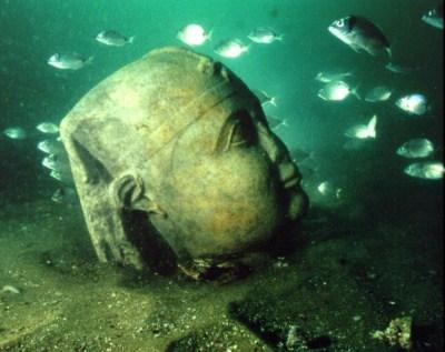 400_1293665201_palacio-sumergido-cleopatra-alejandria-3 Las 5 ciudades olvidadas bajo las aguas