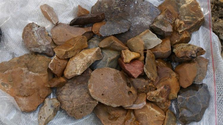 56972dafc461882f5a8b4590 Herramientas de la Edad de Piedra dejan perplejos a los científicos, ¿quién lascreó?