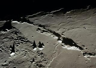PiramidesLuna El misterio censurado de la luna