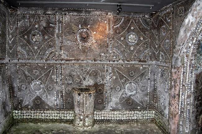 desktop-1433533671 Misterioso edificio subterráneo que desconcierta a todo el mundo