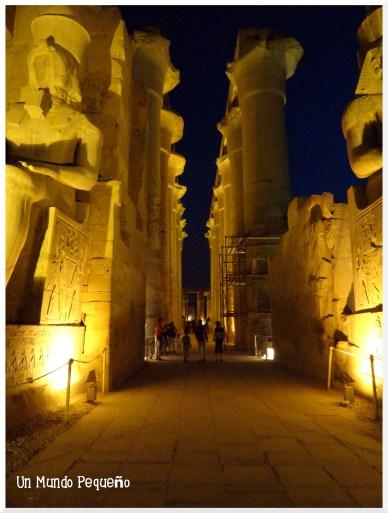 Templo de Luxor Columnata procesional Amenhotep III