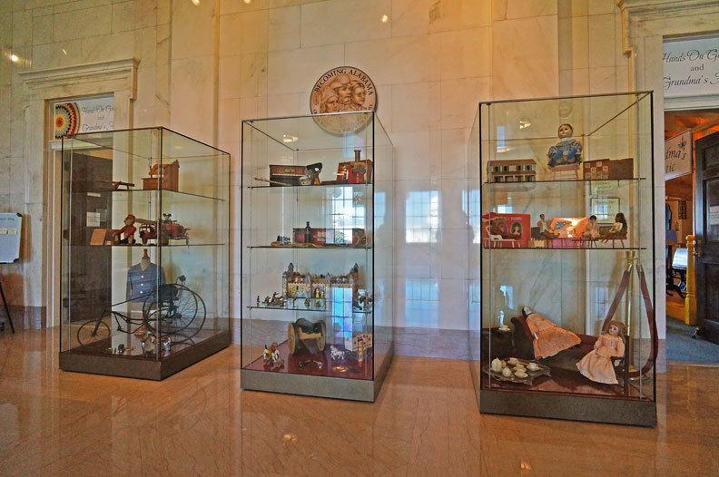 Museum Exhibit Display Case Specifications