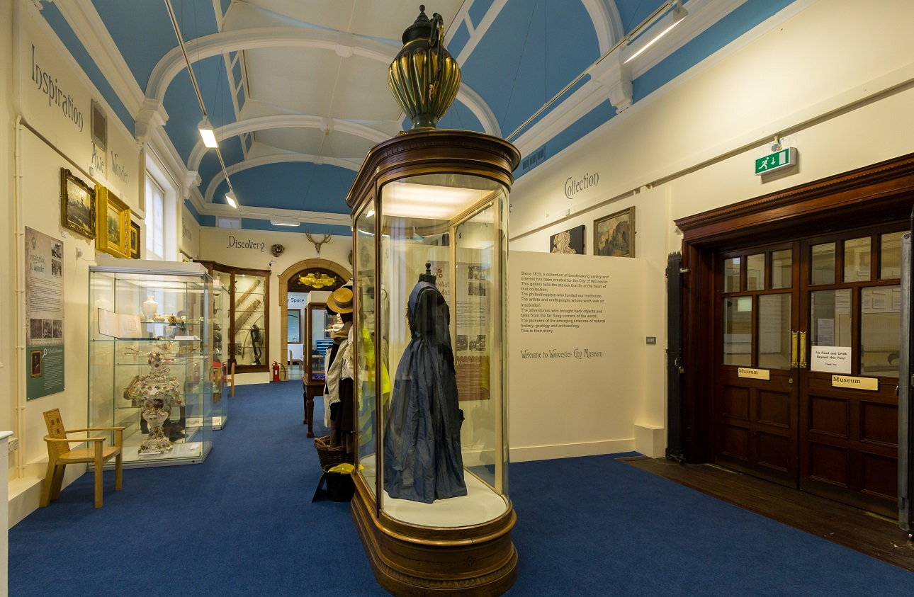 Photo Gallery Of Worcester City Art Gallery Museum Museums Worcestershire
