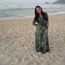Jozyanne grava clipes de seu novo álbum em praia do Rio de Janeiro