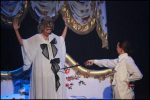 Muzikál Antoinetta královna Francie Divadlo Hybernia Monika Absolonová Dušan Vitázek