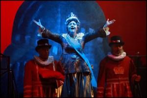 Athina Langoská jako královna Viktorie