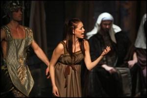 Karolina Gudasová jako Abigail Sibyla královna ze Sáby