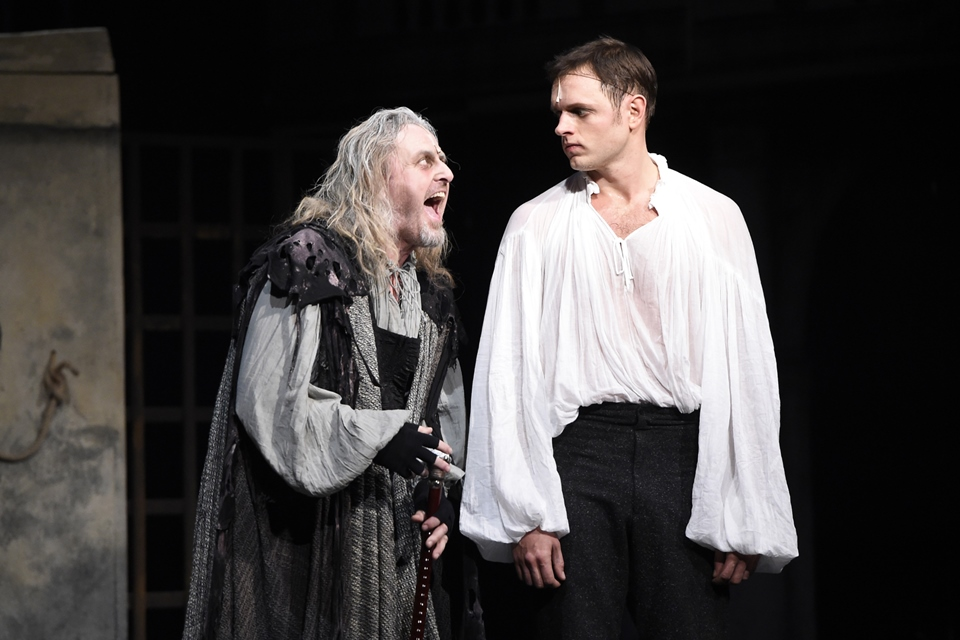 Josef Vojtek a Jan Kříž v muzikálu Mefisto