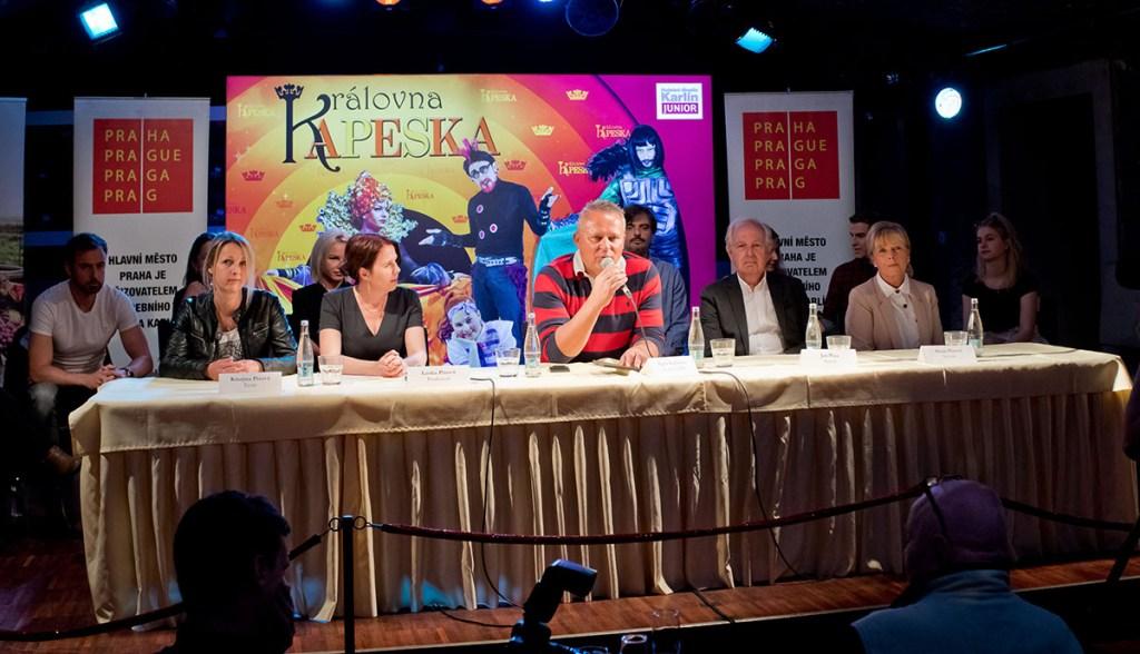 Kristýna Pixová, Lenka Pixová, Egon Kulhánek, Jan Pixa, Alena Pixová. Královna Kapeska, Hudební divadlo Karlín