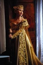 Kamila Nývltová (Adriana)