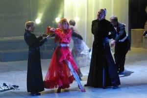 Ples - první akce Nikity