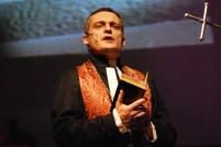 Farář Schmidt (Vladimír Hron)