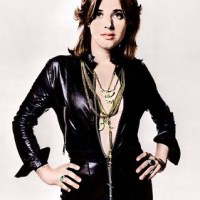 Suzi Quatro Interview | Legendary Bassist talks Naked Under Leather