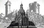 Kollage Dresdner Frauenkirche Ruine und Ursprungsbau.