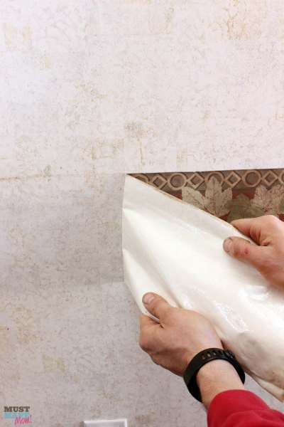 How To Remove Wallpaper Border in an RV - Must Have Mom