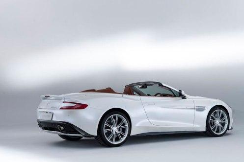 2014-Aston-Martin-Vanquish-Volante-rear