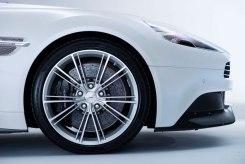 2014-Aston-Martin-Vanquish-Volante-tire