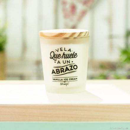 mrwonderful_VELA-03_vela-que-huele-a-un-abrazo-VAINILLA-ICE-CREAM-25