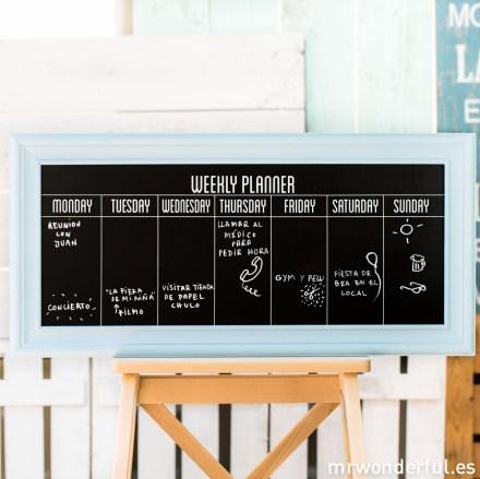 mrwonderful_PA0057_1_pizarra-marco-madera-azul_planning-semanal-1