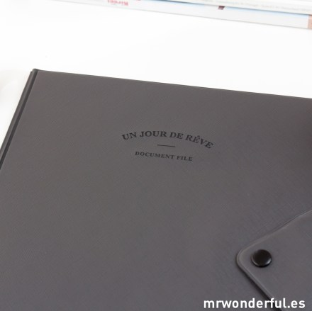mrwonderful_13800_GRAY_carpeta-portadocumentos-gris-oscuro-1