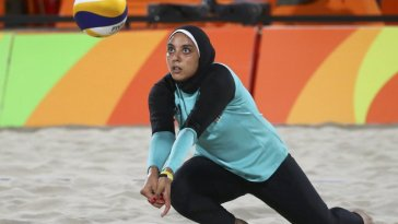2016 Rio Olympics - Beach Volleyball - Women's Preliminary - Beach Volleyball Arena - Rio de Janeiro, Brazil - 07/08/2016. Doaa Elghobashy (EGY) of Egypt competes. REUTERS/Ruben Sprich   FOR EDITORIAL USE ONLY. NOT FOR SALE FOR MARKETING OR ADVERTISING CAMPAIGNS.   - RTSLO53