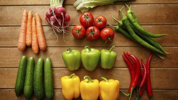 veggies-on-wood-e1430848120818