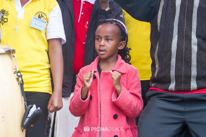Papal_Mass_Pope_in_Kenya_Mwangi_Kirubi-22