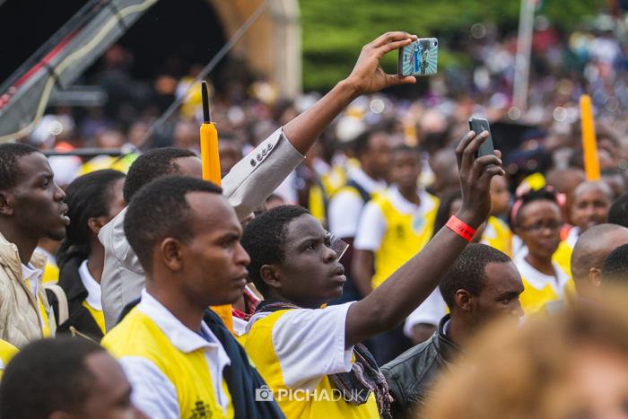 Papal_Mass_Pope_in_Kenya_Mwangi_Kirubi-24