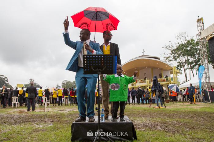 Papal_Mass_Pope_in_Kenya_Mwangi_Kirubi-34
