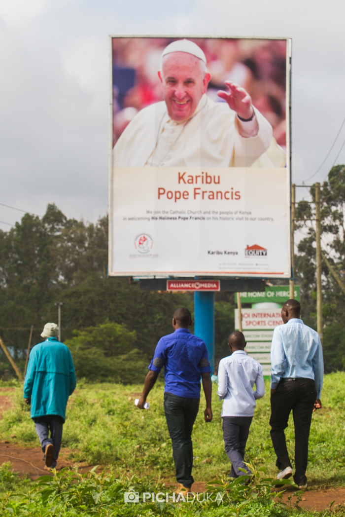 Pope_Francis-Kasarani-1