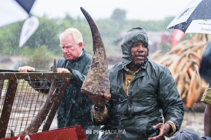 Kenya-Ivory-Burning-2
