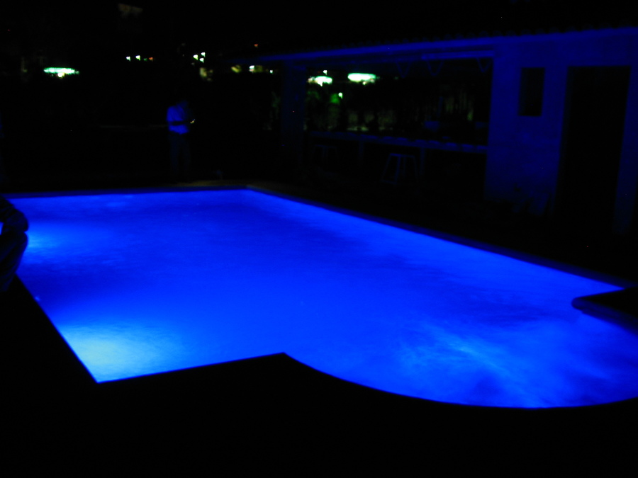 Piscinas Lara Foto: Luces Led De Colores En Piscina De Equipos E
