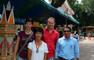farlangs & thais in nongkhai