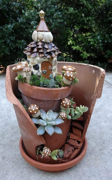 20 Lovely Fairy Gardens Made From Broken Pots Page 3 Of 3