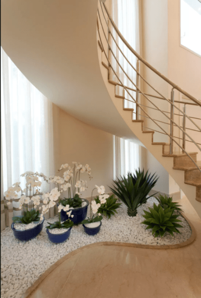 How To Make A Small Pebble Garden Under The Stairs - Page ...