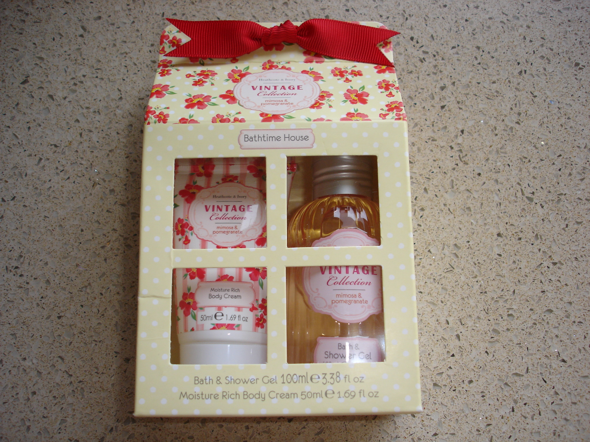 Pretty vintage style gifts from heathcote ivory my for Beau jardin hand cream collection