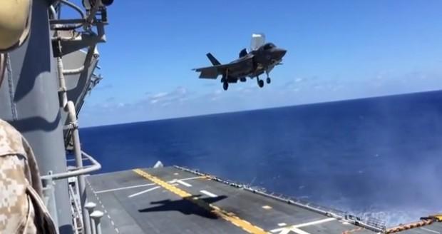 Aviação Militar -  F-35B Lightning II Stealth com capacidade de decolagem vertical