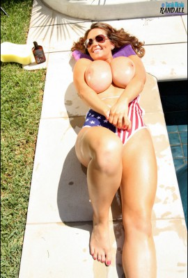 bubble butt moms