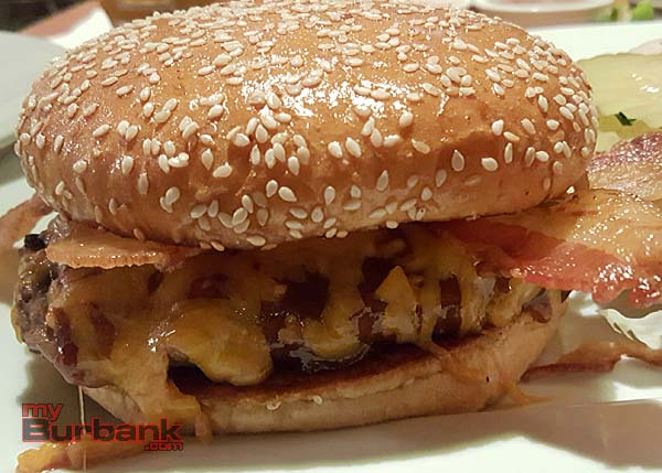 Burger Review Lunch Box - myBurbank