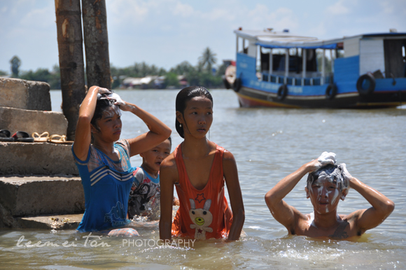 mekong-river-kids
