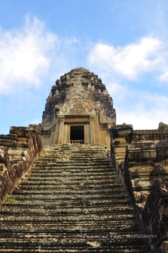 inside-angkor-wat