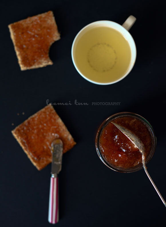 gooseberry-jam-with-toasts