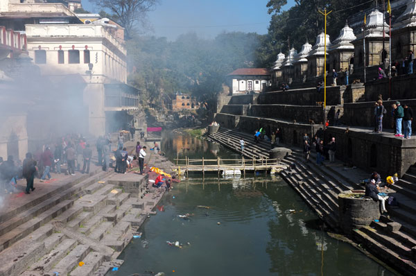 pashupatinath-cremation-bagmati-river